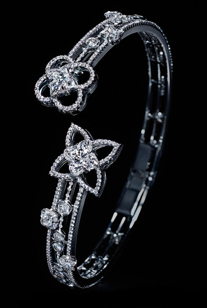 Bracelet from the Les Ardentes Collection from Louis ...