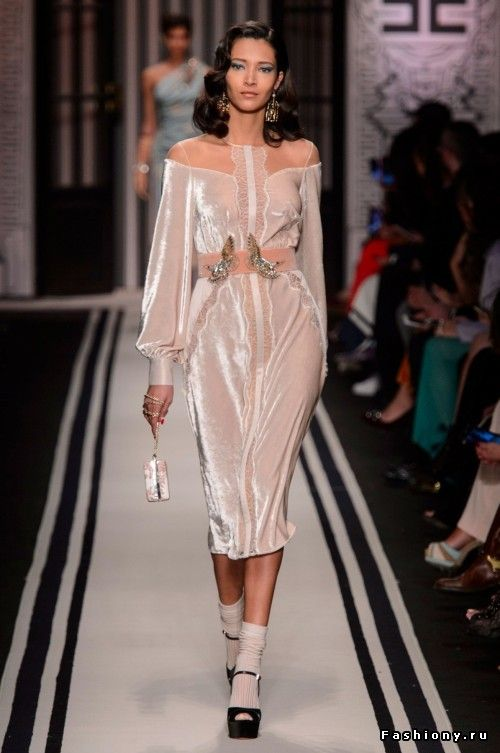 590582a71c7a Elisabetta Franchi Осень-Зима 2017-2018   вечерние платья   Fashion, Velvet  fashion и Womens fashion