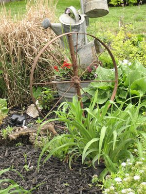 Charming Vintage Wagon Wheel #garden Decor