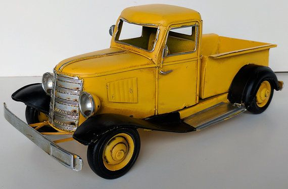 1930 Vintage Antique Metal Tin Toy Pickup Truck Die Cast Car Toy