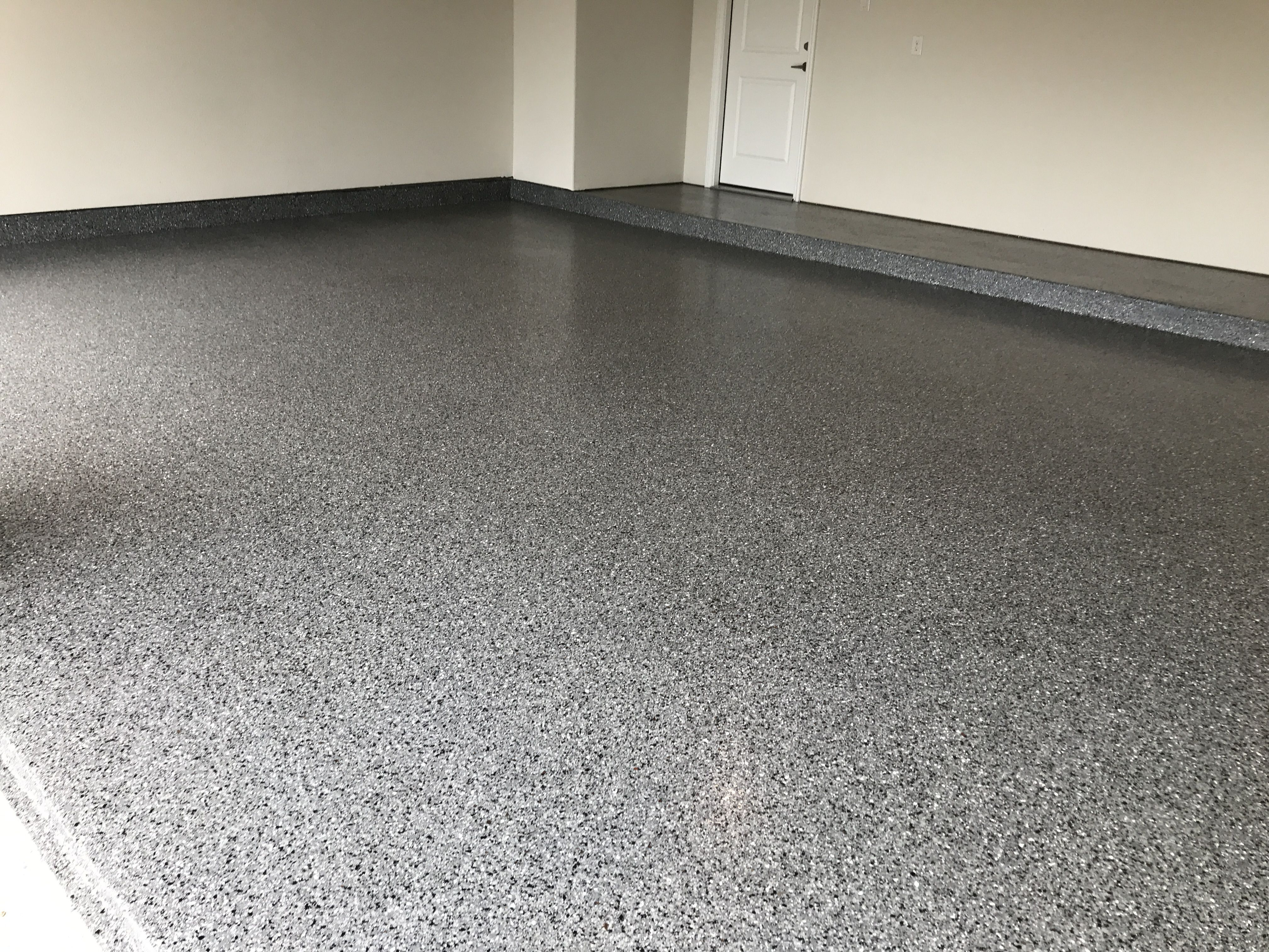 Classic Finish Marble With White Get Your Free Estimate By Email Today At Https Garage Epoxy Garage Floor Coating Garage Floor Coatings Garage Floor Epoxy