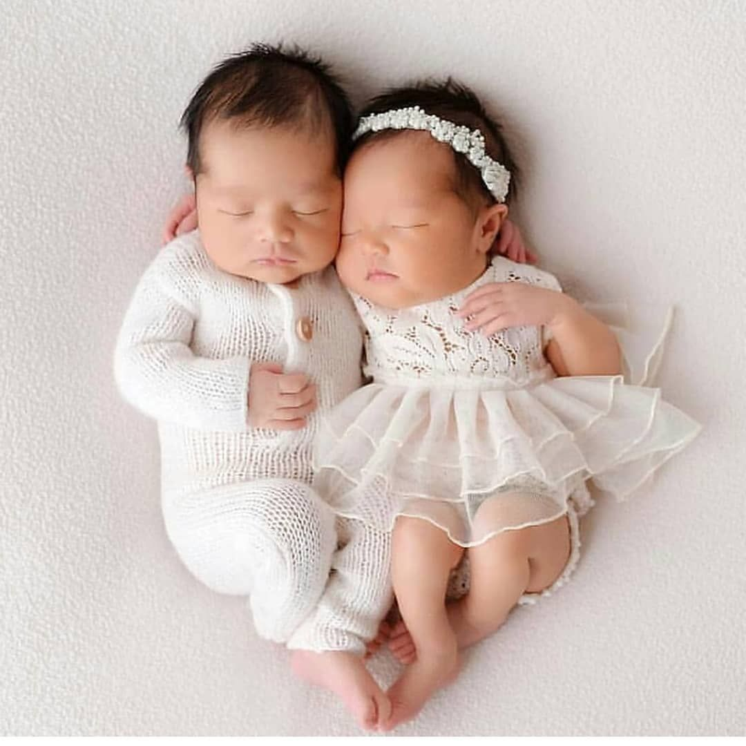 Beautiful Family Portraitures On Instagram Too Adorably Cute Blessed With Twins Boy Girl Familyportraiture Cute Twins Cute Babies Baby Fashion