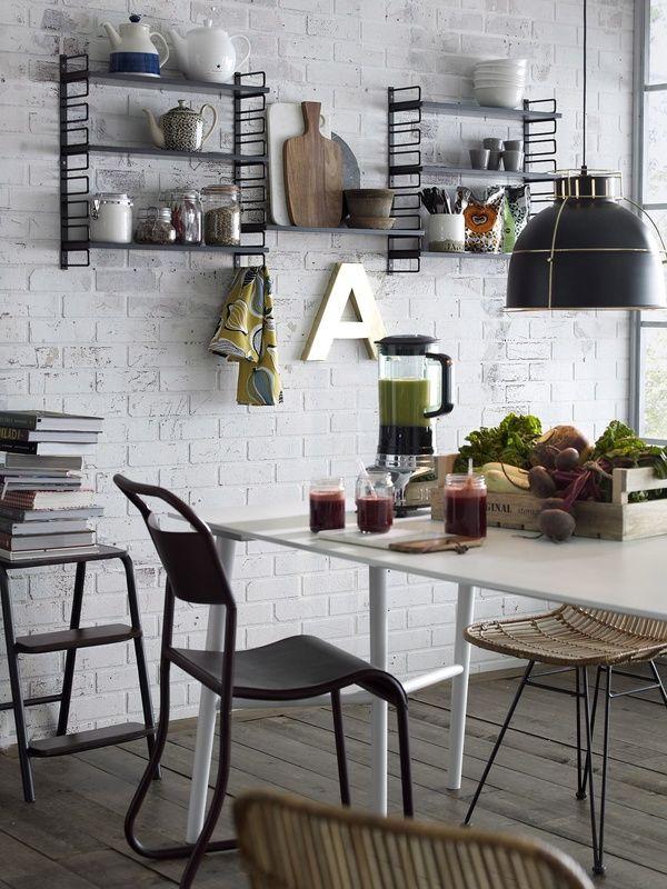 keittiö,pöytä,keittiön pikkutavarat,kesä,kattolamppu