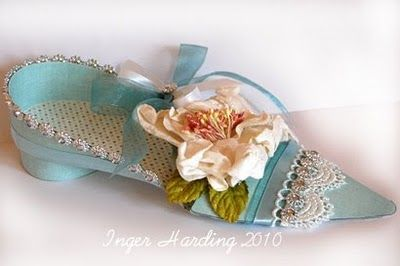 A 3D Shoe. 3D paper crafts made by Inger Harding