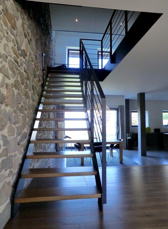 Escalier droit Loft acier et bois arrivant sur mezzanine | Escaliers ...