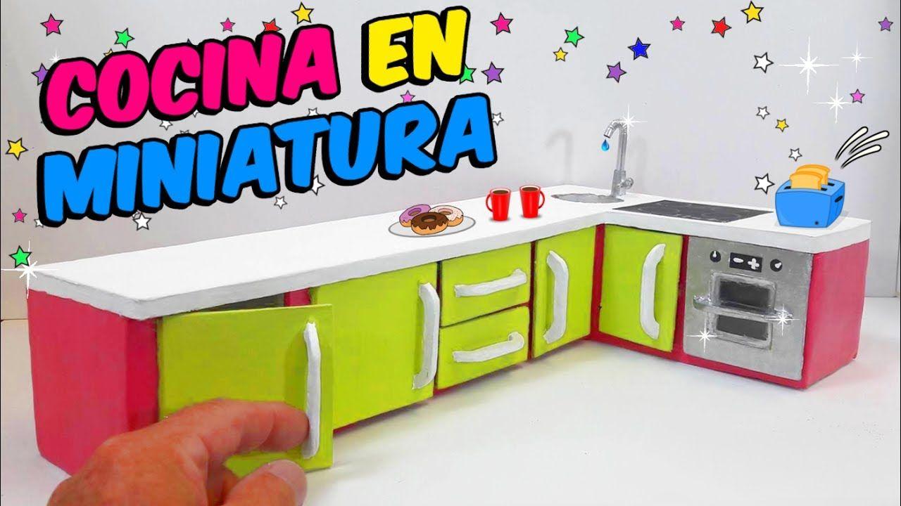 Diy cocina en miniatura para barbies hecha con cart n for Cocina de carton