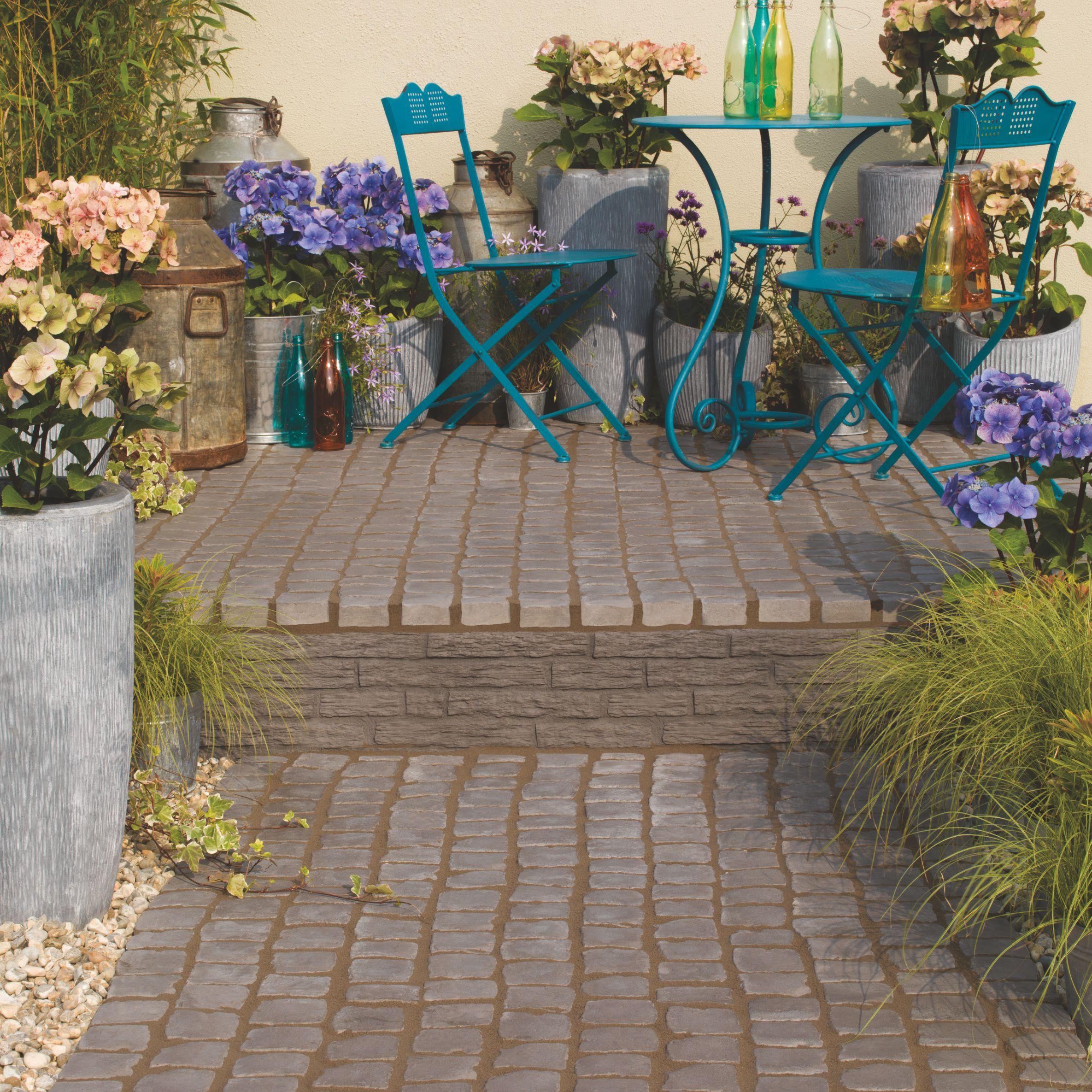 Charcoal Carpet Stones Cobble Mat Straight 12M W400mm Gardens
