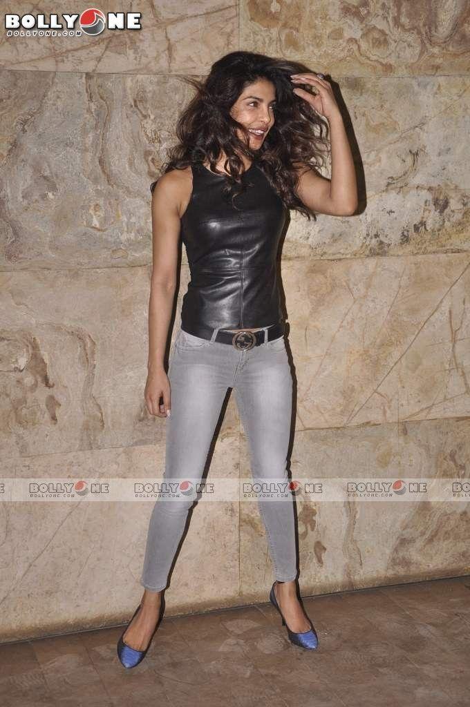 Priyanka and Parineeti Chopra Snapped hot at screening of 'Ship of Theseus' Movie