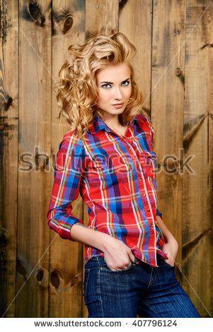 Mujeres En Jeans Fotos, imágenes y retratos en stock | Shutterstock