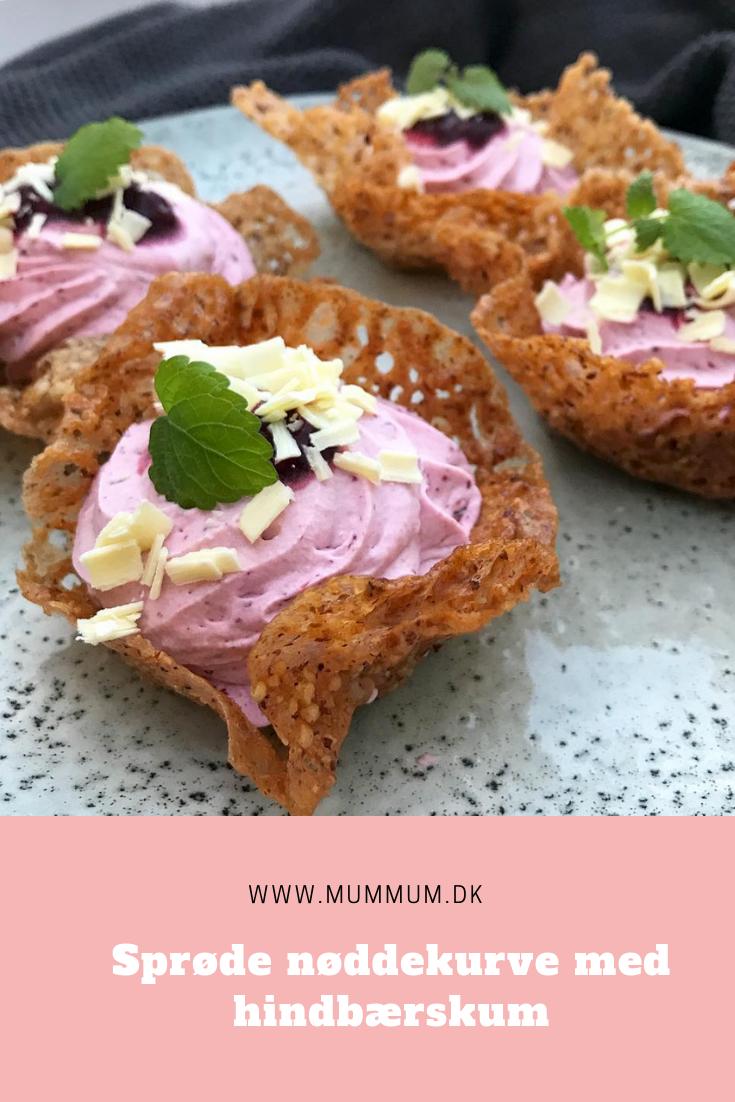 En lækker dessert. Nøddekurve med hindbærskum. Nemme at lave! Opskrift fra www.mummum.dk