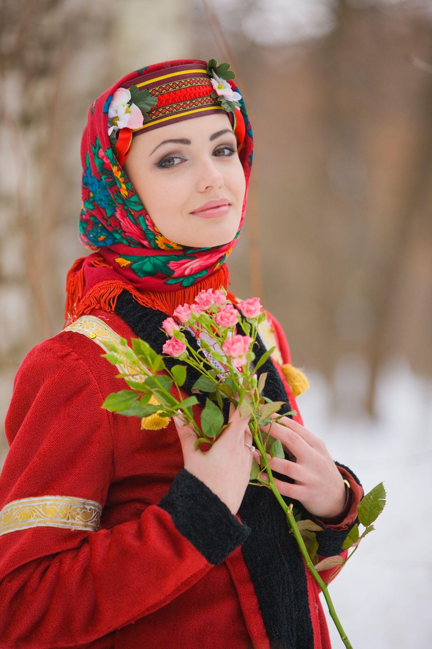 фото бикини одевается девушка русская фото дамы