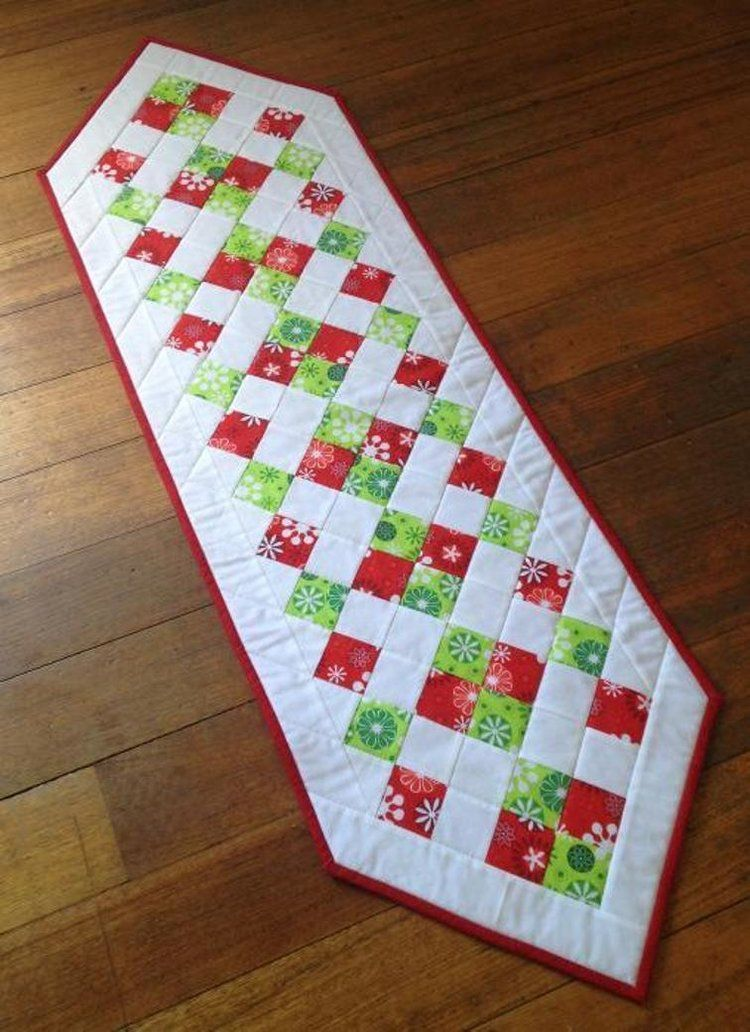 25 Show Stopping Free Table Runner Patterns