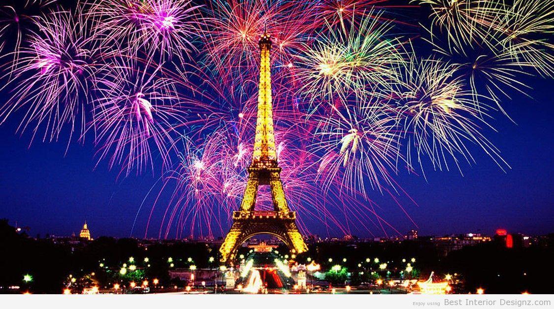 Eiffel Tower Outdoor Christmas Decoration