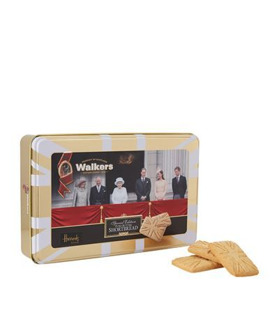 Walkers Special Edition Royal Family Tin Shortbread (250g) available to buy at Harrods. Shop food and wine online and earn Rewards points.