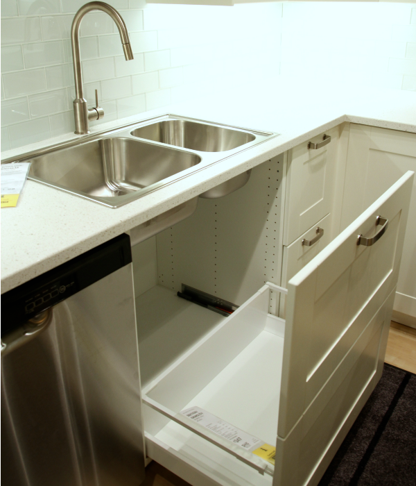 DIY Pull Out Trash Can in a Kitchen Cabinet (Amazing idea ...
