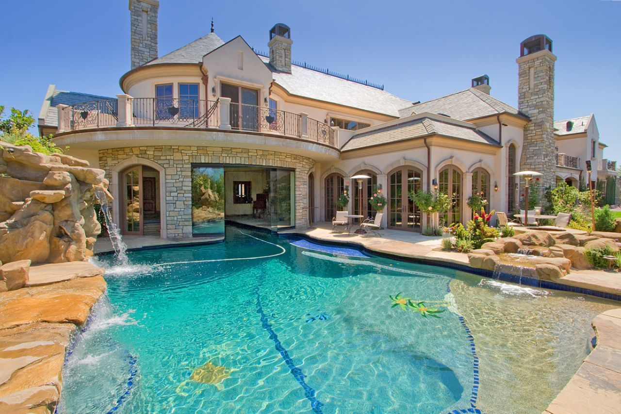 Mansion With Swimming Pool dream house | a pool in the front of the house is a bit over the