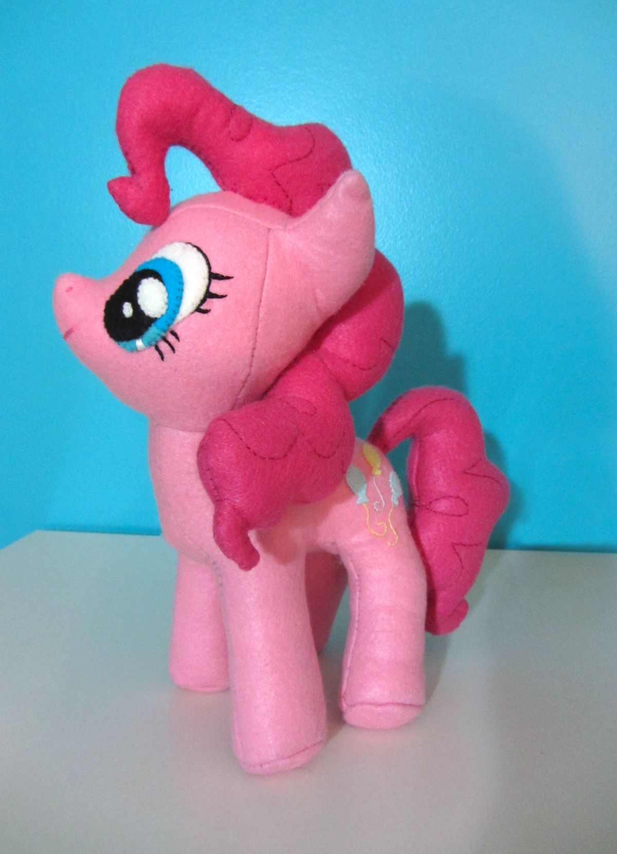 Diy pinkie pie plushie ♥♡♥♡ | little pony en fieltro | Pinterest