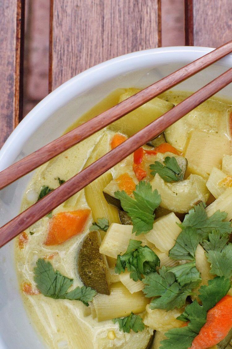 Serves 2 1 Cup Water 1 Massel 7 Vegan Chicken Stock Cube Nutra Organics Also Offer Low Fodmap Stock Powder Fodmap Recipes Lemongrass Soup Coconut Lemongrass