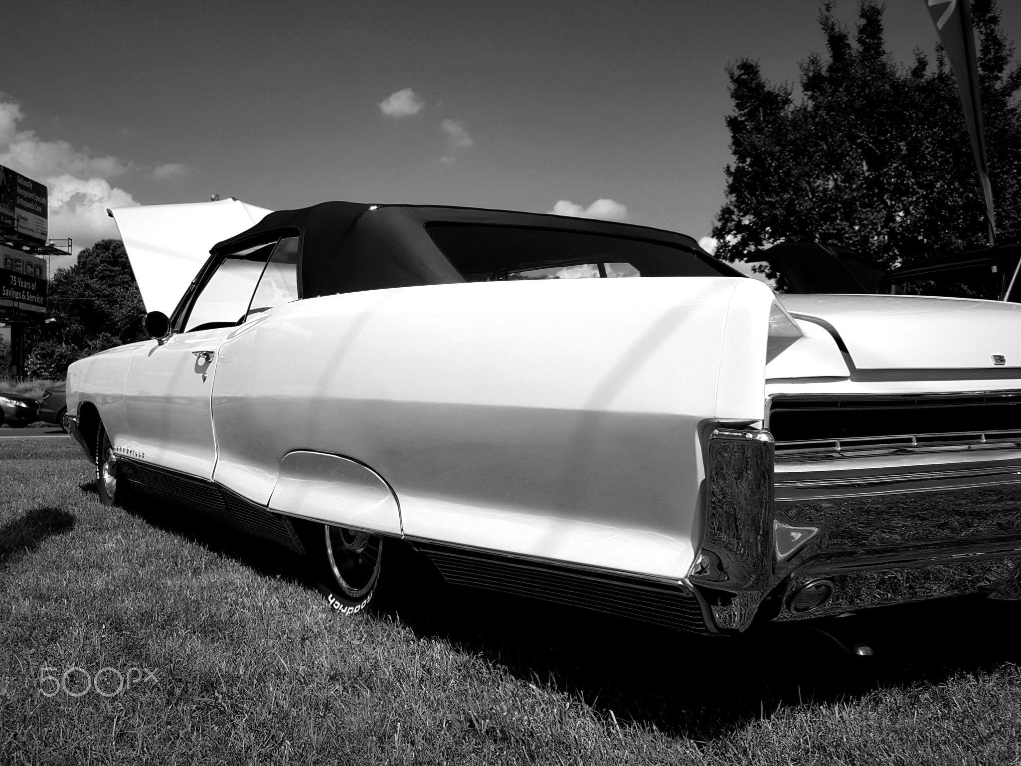 classic Bonneville - Pontiac at a summertime show in Millsboro ...