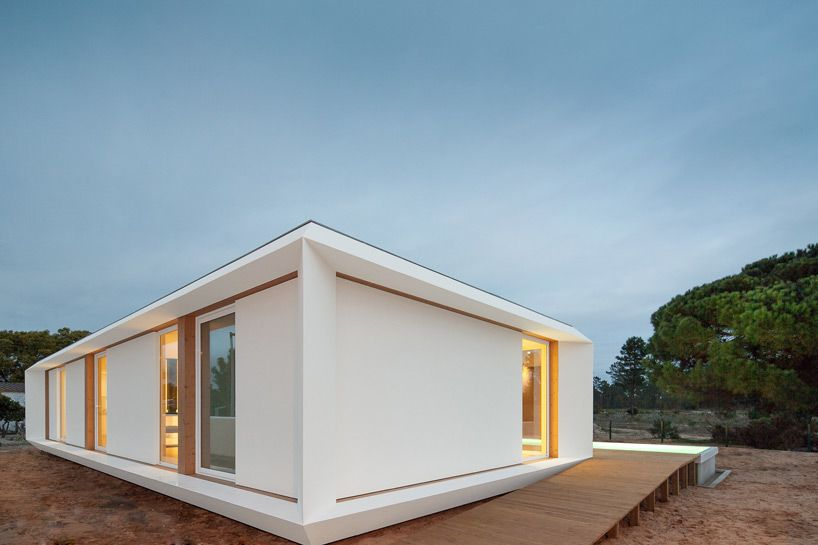 L Shaped Prefabricated House In Portugal By Mima Architects Architecture Small House Pictures Architect