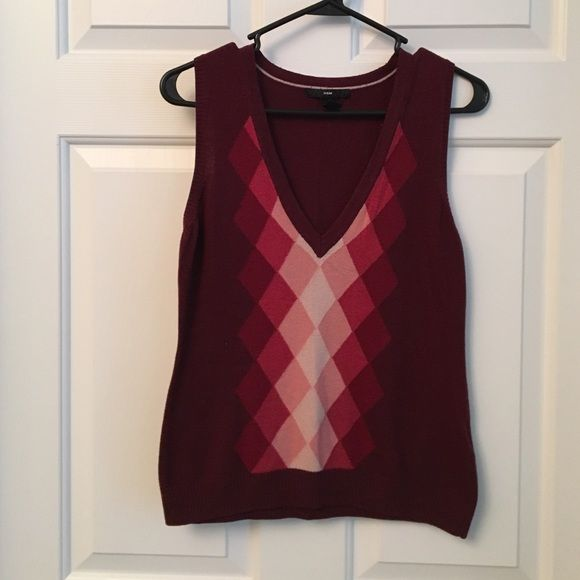 H&M burgundy and pink argyle sweater vest | Argyle sweater vest ...