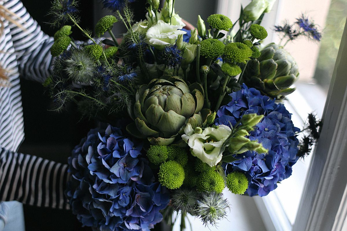 How to make your own flower bouquet. Autumn flowers, flowers for ...