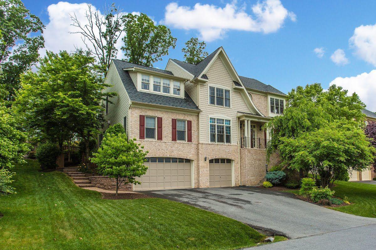 2 story master bedroom  Margaret McEvoy of Real Estate Teams LLC just listed  Woodland