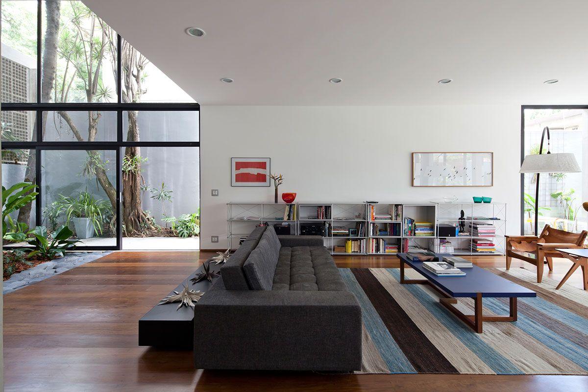 Sobrado Totalmente Reformado House -> Sala Com Sofa Cinza E Poltronas