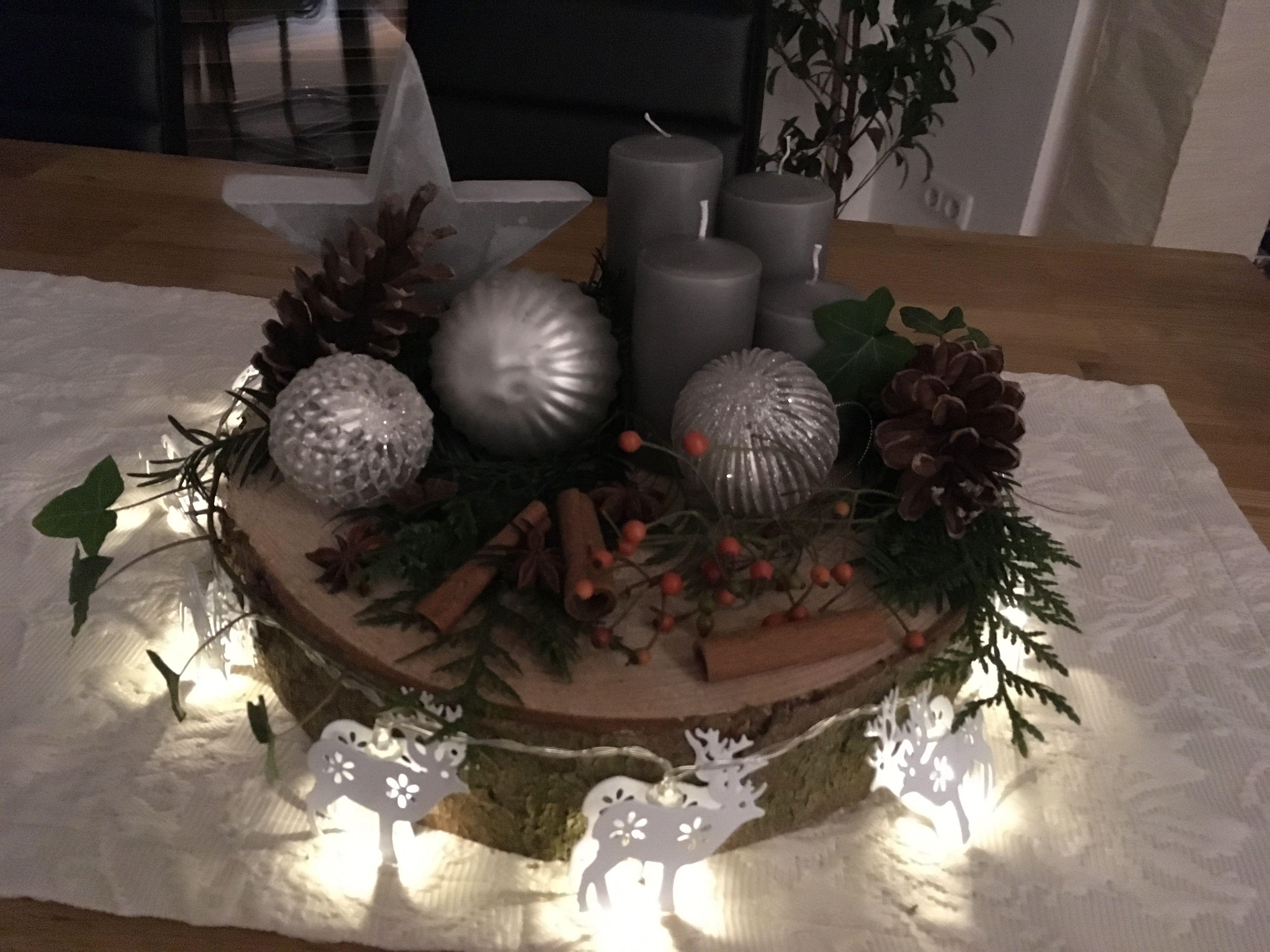 Adventskranz auf einer Baumscheibe! #adventskranzaufbaumscheibe Adventskranz auf einer Baumscheibe! #adventskranzaufbaumscheibe