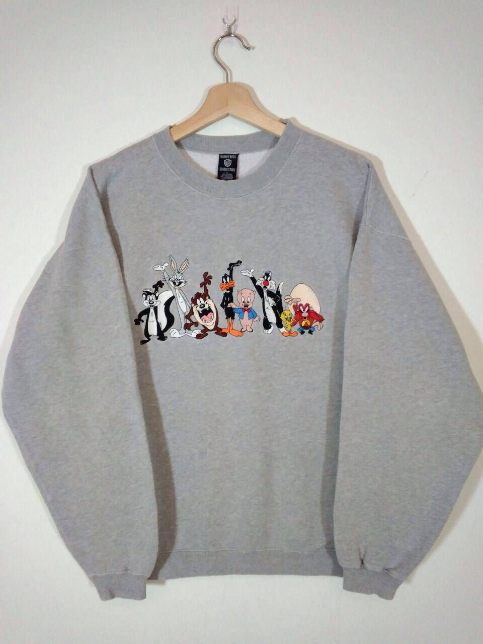 311dd21b Vintage 90s Warner Bros. Cartoon Embroidery 8 Characters Bug  Bunny,Tasmanian Devil,Tweety Grey Sweatshirt | Sweater | Jumper Size L by  Tweety3Vintage on ...
