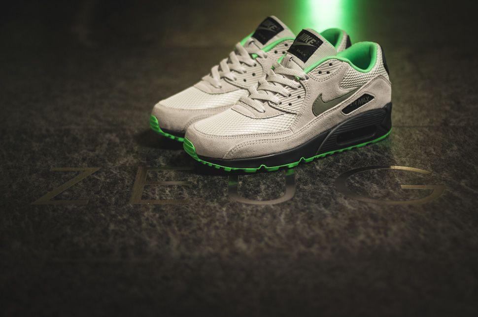 a8577915a6c0 Nike Air Max 90 Essential