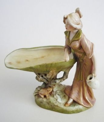 Royal Dux Art Nouveau 'Maiden with Frog and Shell' Centrepiece c1910
