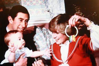 Baby Prince William with mom (Princess Diana)