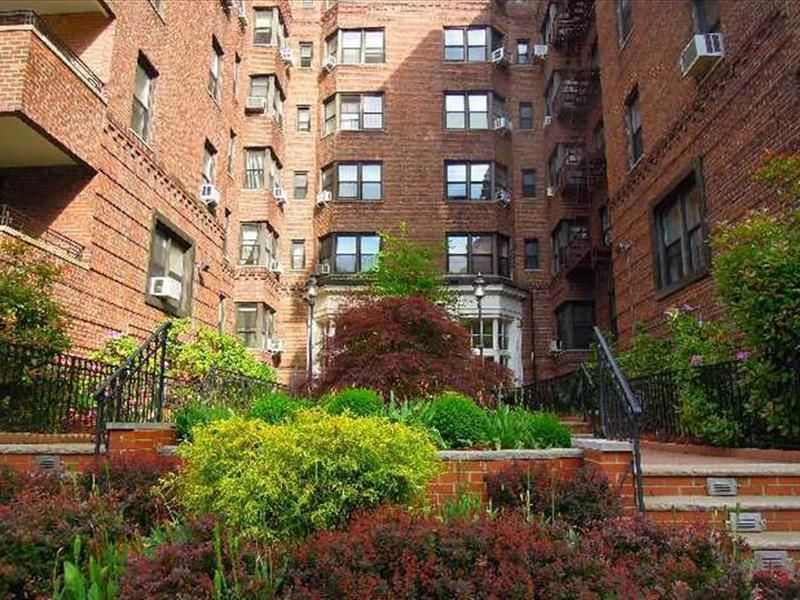 Forest Hills Ny Resaas Great Places Real Estate New York City