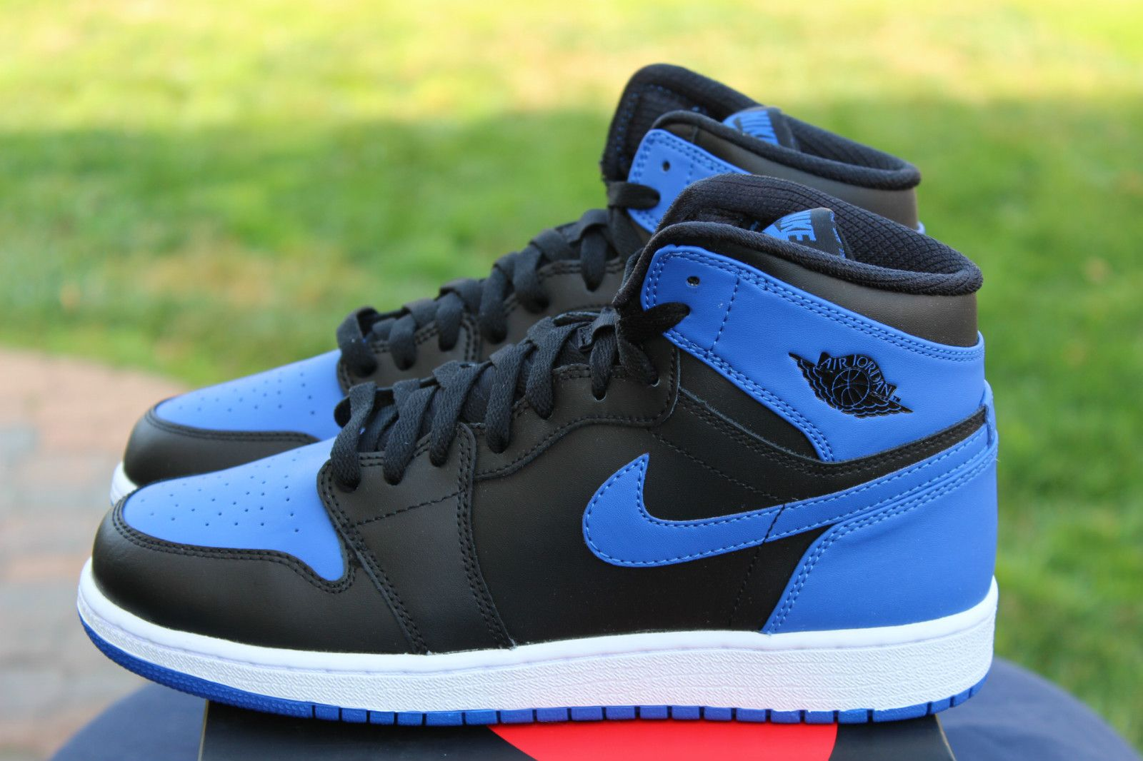 royal blue air jordan shoes