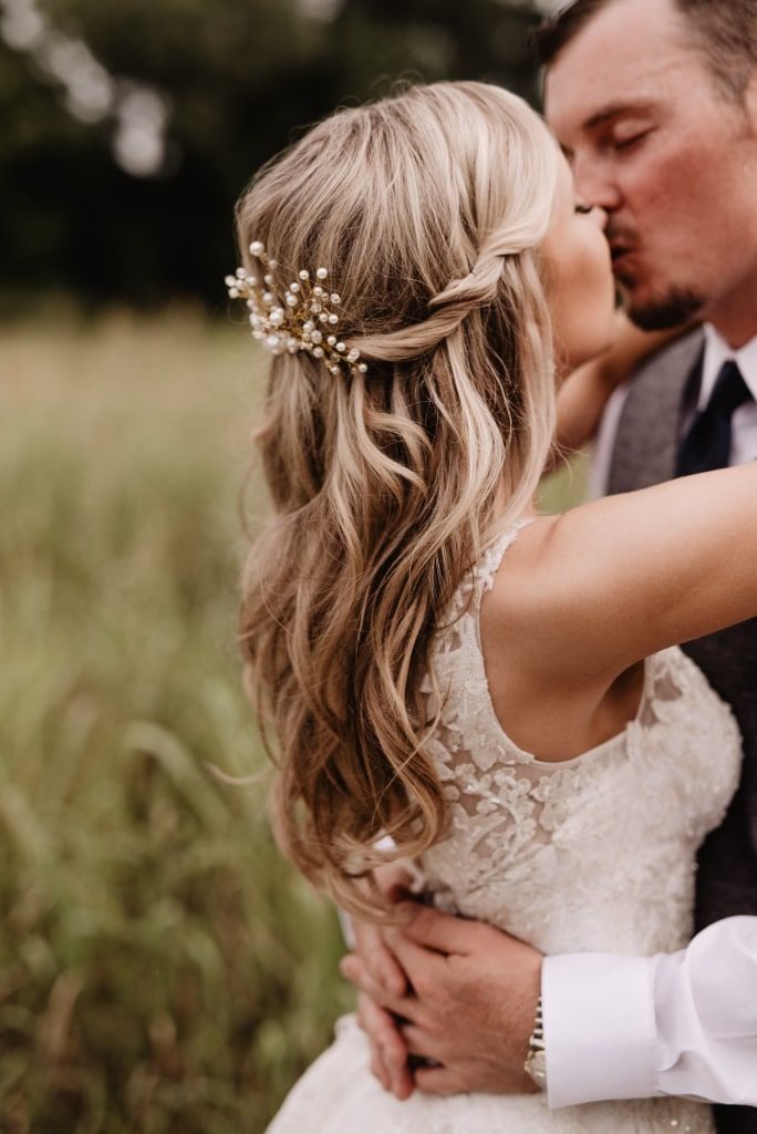 Half Up Half Down Wedding Hairstyle For The Casual Yet Elegant Bride Love Her Pear Wedding Hair Down Casual Wedding Hair Wedding Hairstyles Half Up Half Down
