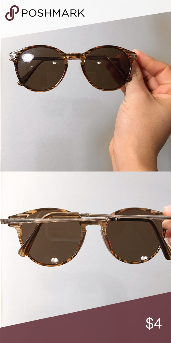 Forever 21 Round Sunglasses Round vintage like sunglasses for that 80s vibe super chic and in good condition my have a few small signs of wear on the lenses. Accessories Sunglasses