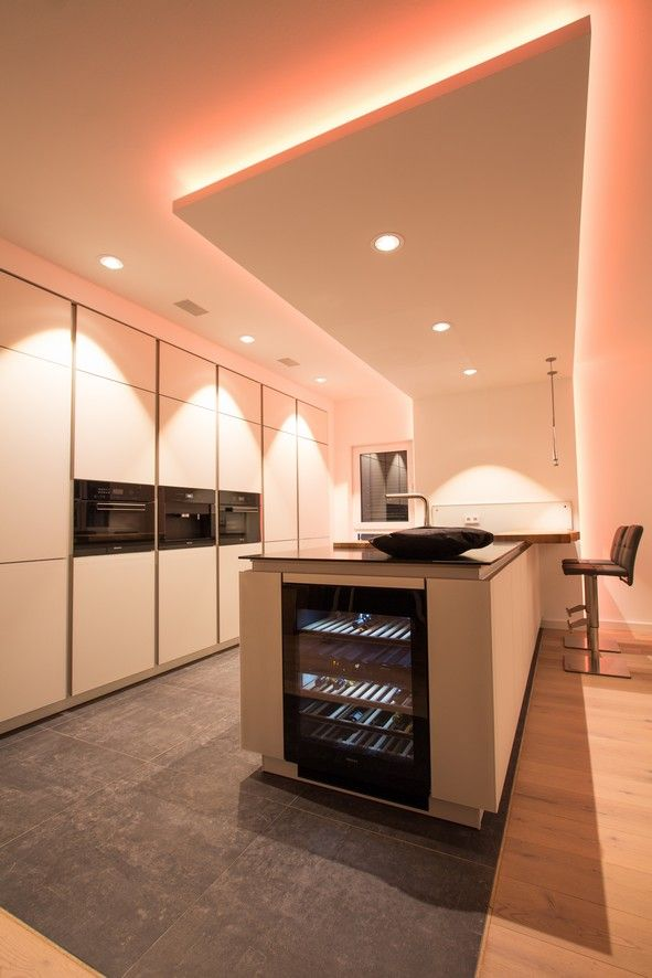 Farbig steuerbare Beleuchtung für immer neue Lichtstimmungen - beleuchtung für wohnzimmer