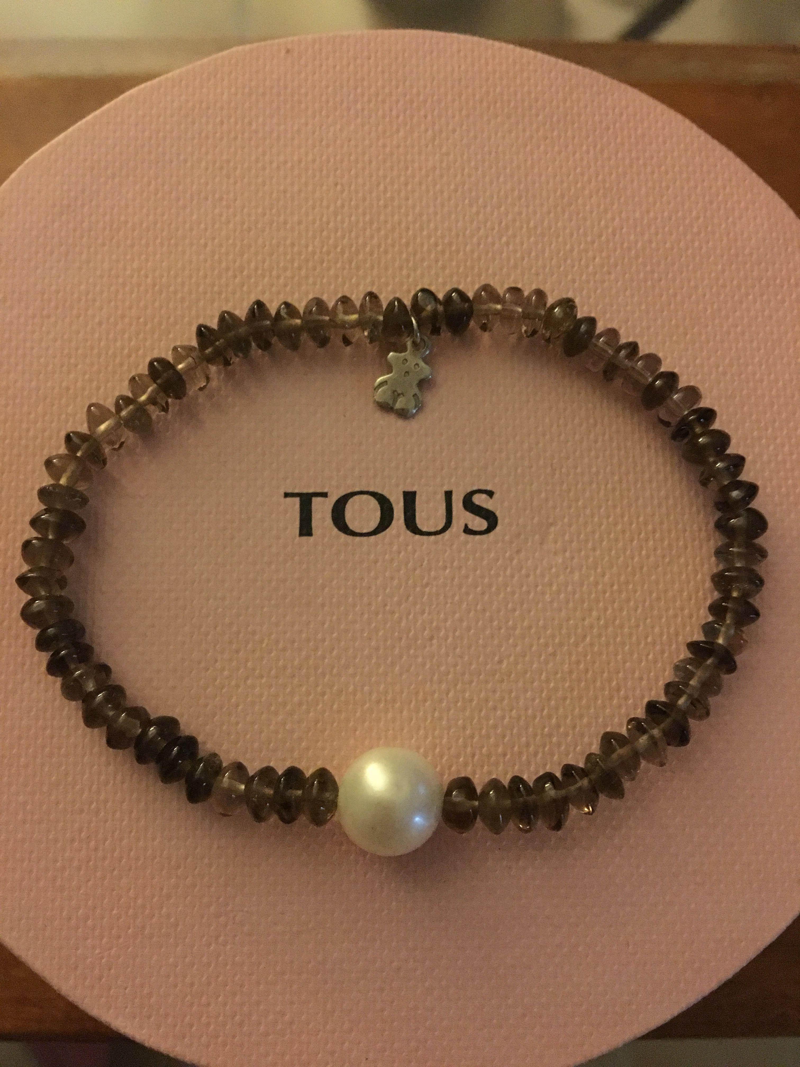 df9893ed6f42 Pulsera elástica Tous de cuarzo ahumado con perla cultivada