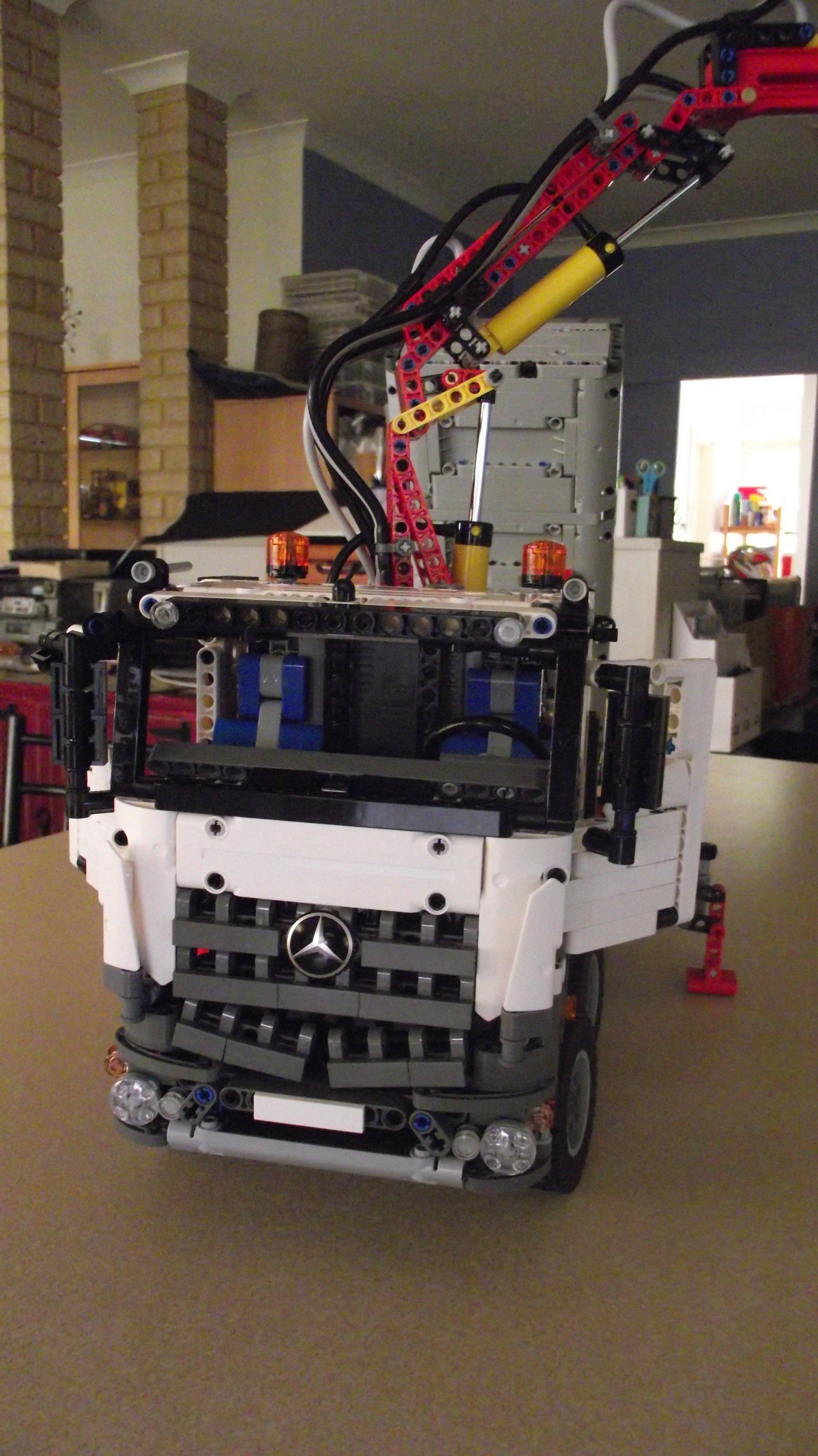 lego technic 42043 mercedes crane truck my lego. Black Bedroom Furniture Sets. Home Design Ideas