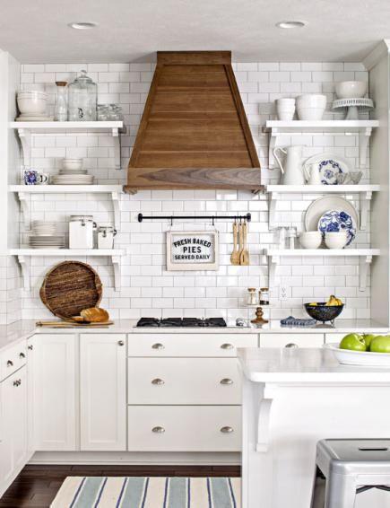 House Tour: Lake House Effect | Cottage kitchens, Modern ...