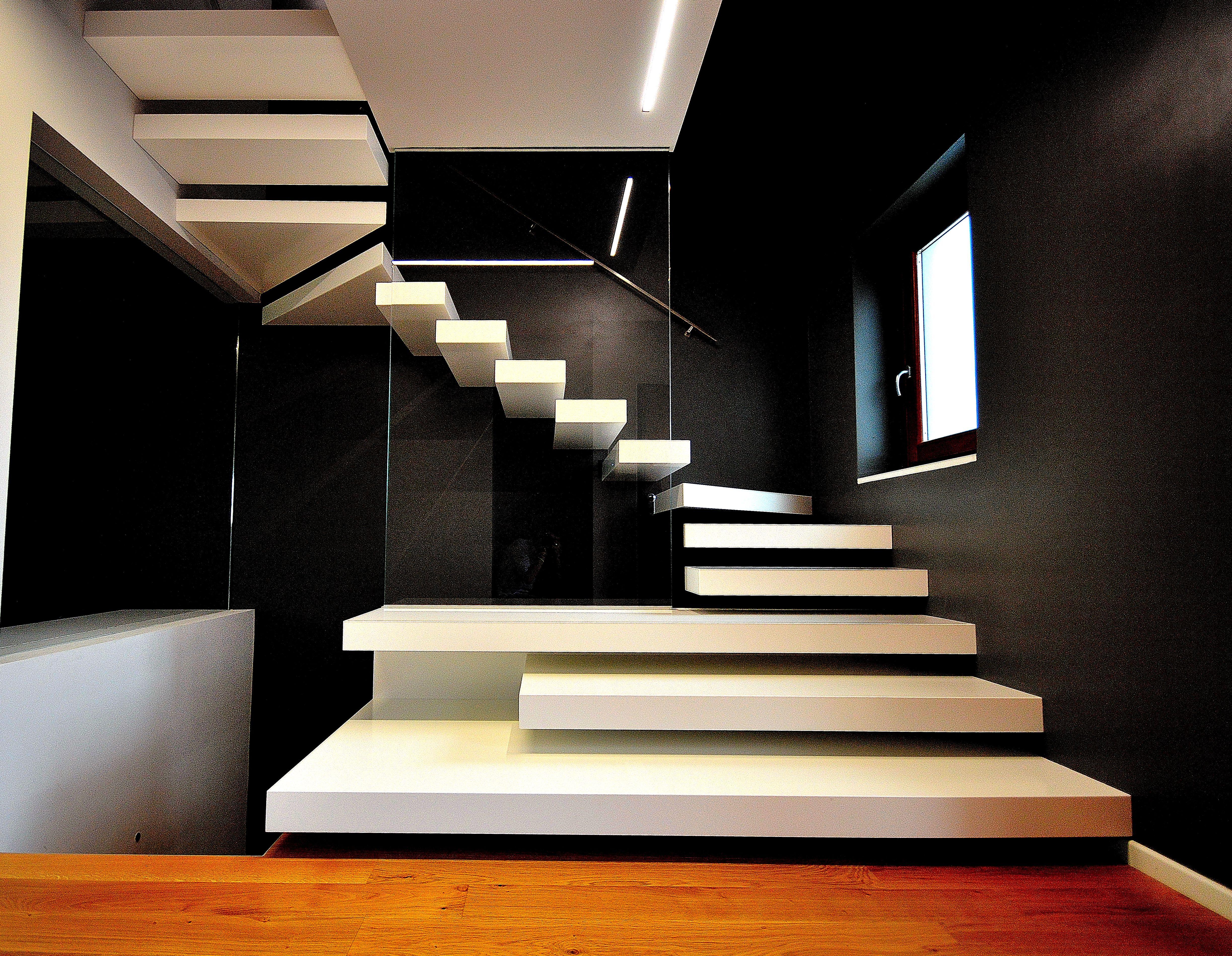 Scala in ferro a sbalzo con parapetto in vetro scale nel 2019 pinterest stairs stair - Scale con parapetto in vetro ...