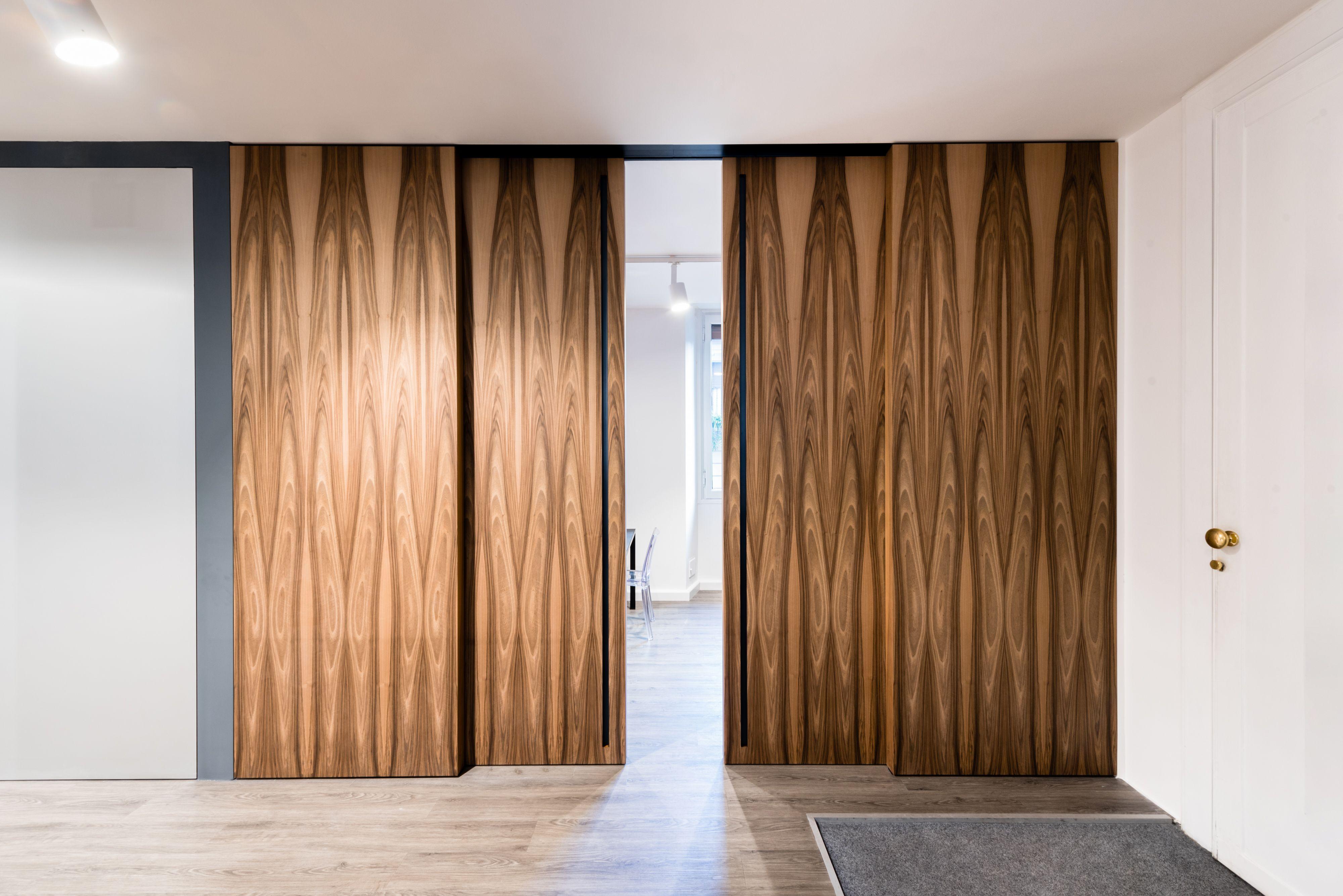 Linvisibile Marea Altopiano sliding door designed by Giulio Cappellini . #invisibledoors #designdoors #internaldoors #interiordesign #seperators
