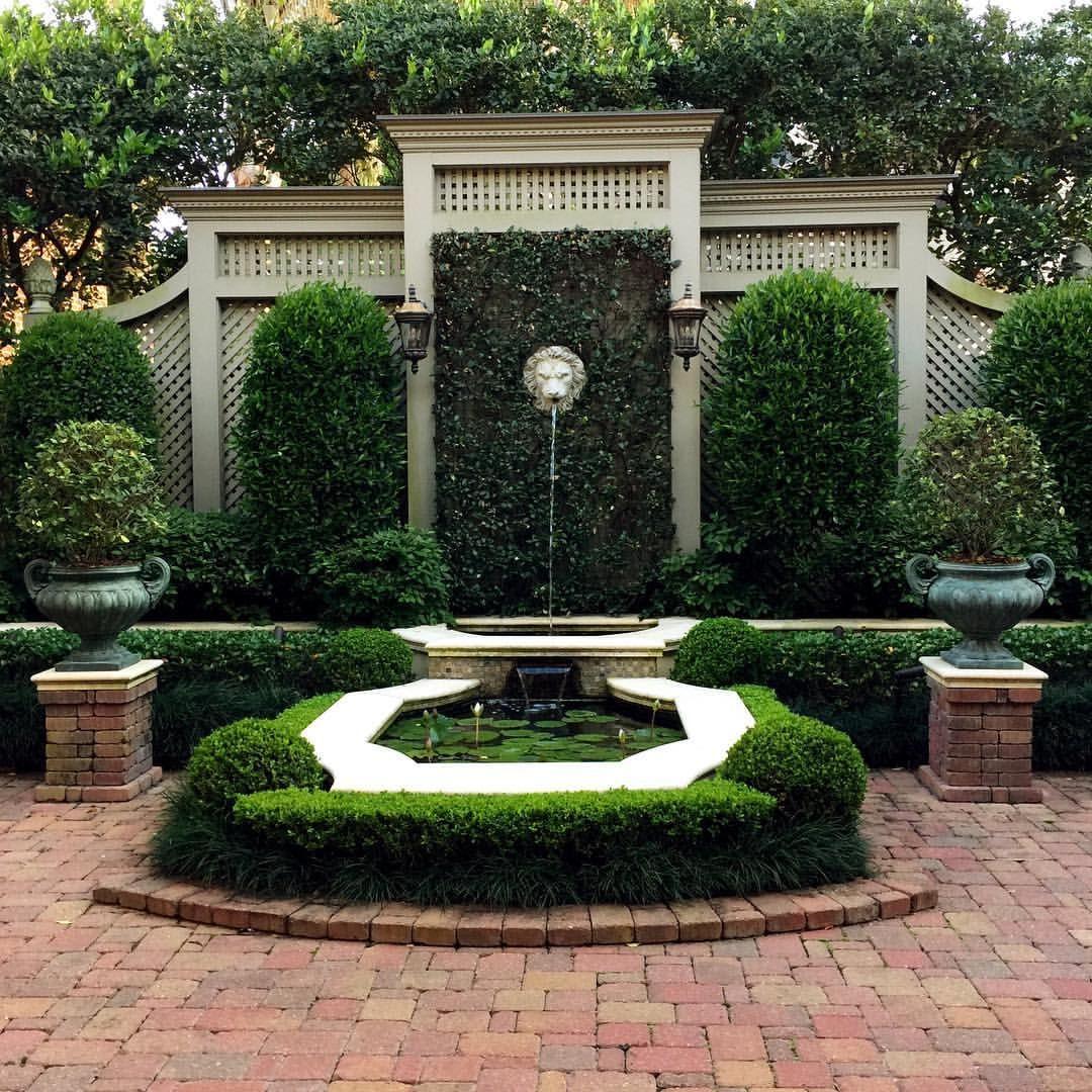 Formal Front Garden: Pin By Ritu Singh On Formal Front Garden
