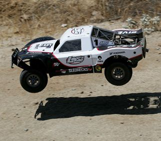 Losi: 1/5 5IVE-T 4WD Off-Road Truck White Bind-N-Drive: Losi (LOSB0019WHTBD)