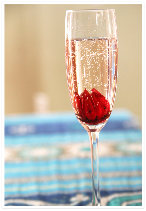 Hibiscus Flower Champagne A Must Have For Christmas Morning Edible Cocktails Edible Flowers Hibiscus
