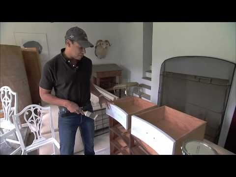 Darryl Carter Gives An Old Dresser A New Look #BenjaminMoore