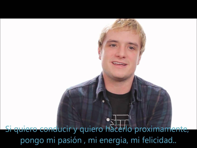 Josh Hutcherson's Advice To His Younger Self (Subtitulado en Español)