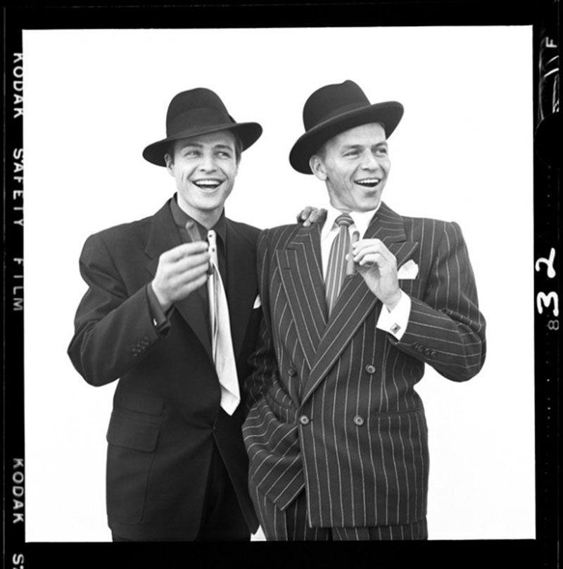 Marlon Brando Y Frank Sinatra Por Richard Avedon 1955 Photo Filmstars Filme Und Zigarren