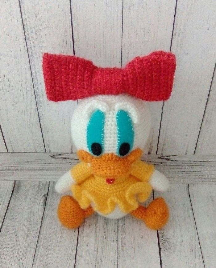 Crochet Webby Duck - patrón de amigurumi gratis   Minion   Pinterest ...